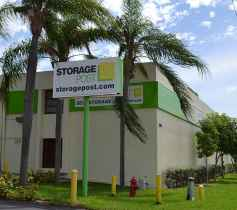 The exterior of the Storage Post Franklin Park self-storage facility
